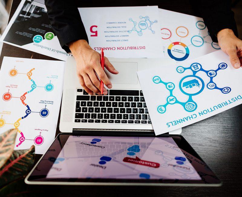 marketing-manager-making-marketing-distribution-ch-resize